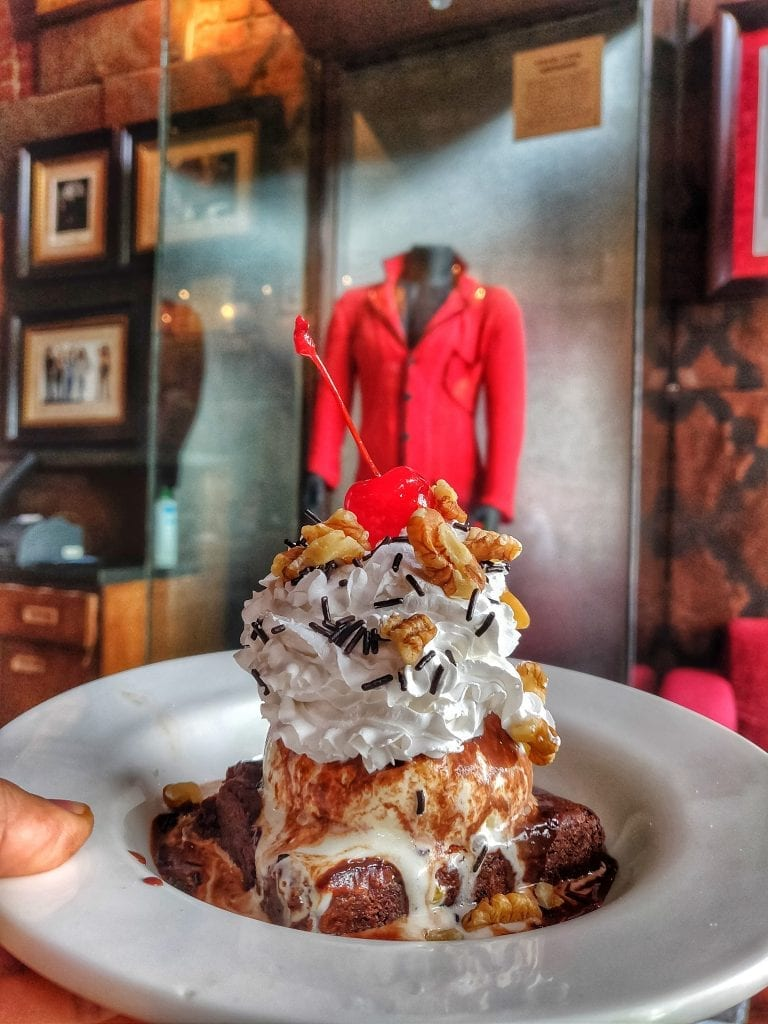 pICTURE OF ICE CREAM IN HARD ROCK CAFE BANGALORE