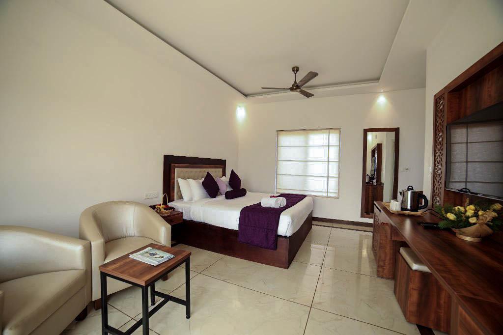 Room view of Contour Island Resort & Spa
