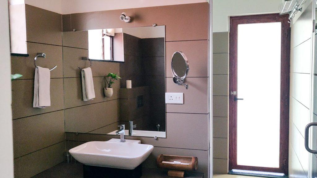 Bathroom View of Contour Island Resort & Spa